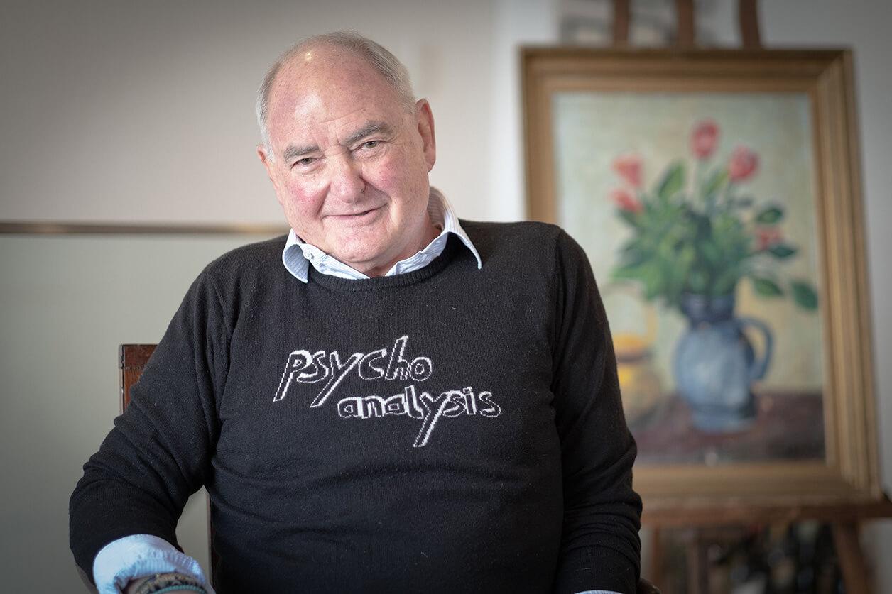 Michael Kallenbach with a 'Psychoanalysis' sweater